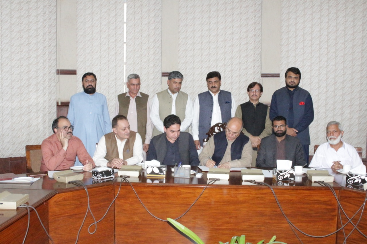 Handing/Taking over ceremony of HEC funded Project between UET Mardan and UET Peshawar